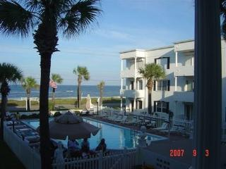 Beautiful Ocean/Pool View, Ormond Beach