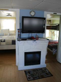 32 inch Flat screen tv/cable/dvd/