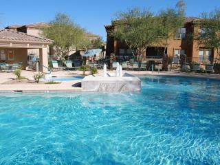 Spring 2016 Savings Luxury Condo 3 Pools, Spa, Gym, Scottsdale