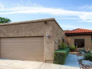3BR Resort-Style House on Rams Hill Golf Club!