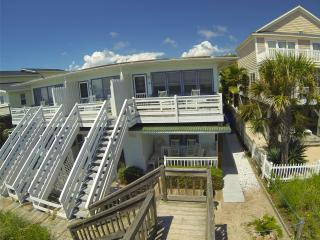 Almost Heaven OCEANFRONT D 3 Bd/3Bth 1st Flr WiFi