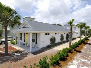 Two Beach Houses! Private Pool Heated! Near Beach!, Destin