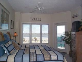 Ocean-front Luxury 3 BR Condo, Spectacular Views, Tybee Island