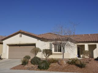 VILLA 3 -12mi ConventionCtr-3BD2BA NO Resort Fees, North Las Vegas