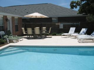 4 Bedroom with Private Pool & Beach, Gas Grill, Miramar Beach