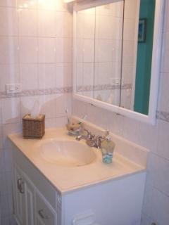 Master Bath features shower/tub.
