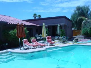 Luxury McCormick Ranch 4 bed/2 ba w/ pool-sleep 8