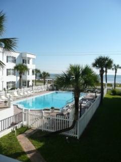Balcony View of Courtyard Pool & Ocean