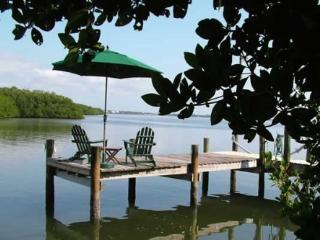 Bayfront Home, Private Dock, 4 Kayaks, Broadband, Plácida
