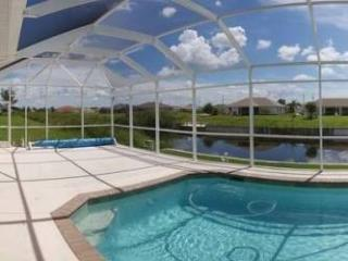 "Cape Coral,Florida Pool Home ""Four Seasons"""