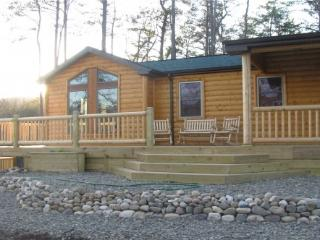 WV Romantic Cabin-Fox's Lair- Hot Tub,Dogs Allowed, Petersburg