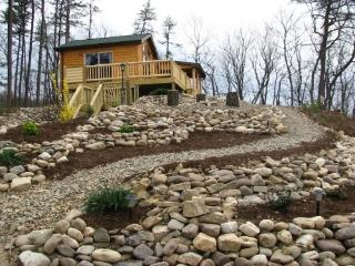 WV Romantic Cabin-Fox's Lair- Hot Tub,Dogs Allowed