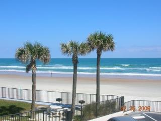 2 Bedroom Townhouse on the Beach, Daytona Beach