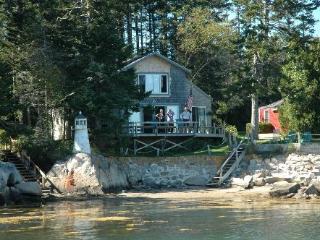 Island View Spruce Head Maine Lighthouse Cottage, South Thomaston