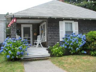 Classic Cottage in Falmouth Heights Steps to Ocean