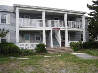 Ocean City Vacation Condo 1 block from Boardwalk