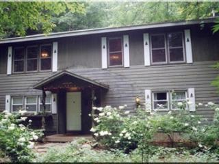 A Dream of a Woodland House. Rent a June  weekend; July weeks $2100 for 8 ppl.