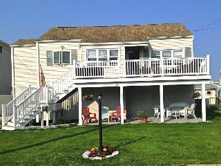COZY, AIRY, COMFORTABLE BEACH COTTAGE, Brigantine