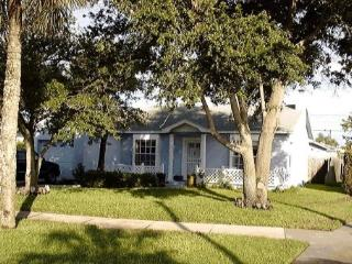 Exclusive Quiet Beach Cottage - Monthly rental, Clearwater