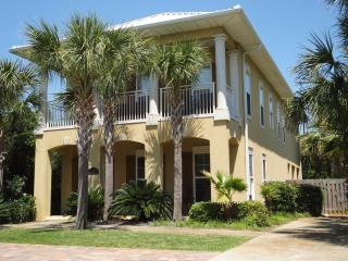 Spring Dates!!!  Private Pool..25 Yards to Gulf!!, Miramar Beach