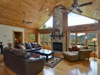 Luxury Mtn Home 5 & 3 Game Room Hot Tub Great View