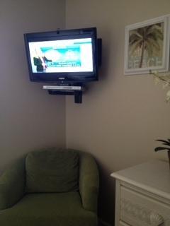 Bedroom TV & DVD player