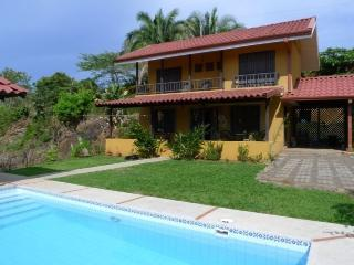 Lovely recently built ocean breeze home, Esterillos Oeste