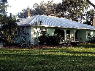 CUTE COTTAGE. BAY VIEW. FISHING. KAYAKING, Bradenton
