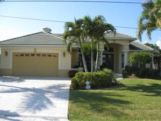 4BR Spacious Canal Home in SW Cape Coral