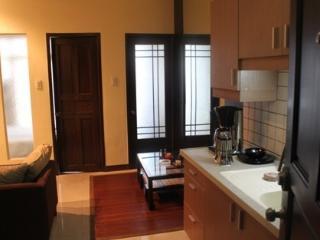 $30 Value Condominium, Makati