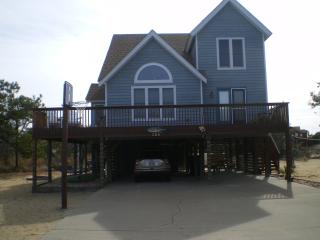 Well equipted and beautiful beach house