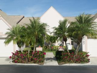 Grab This Updated Condo at Tara Golf & CC!!!, Bradenton
