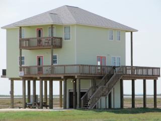 Fish House: Fabulous Family Beach Home