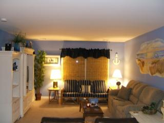 Magnificent Large 2 Bedroom Condo Clean and Bright, Seaside Heights