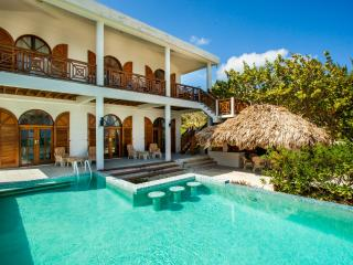 BajaMar Belize:5bedroom 5bathroom Luxurious Beach House with Pool & Caring Staff