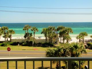 Leeward Key*Beach Front Pool!*Nice Views!*New TVs!, Destin
