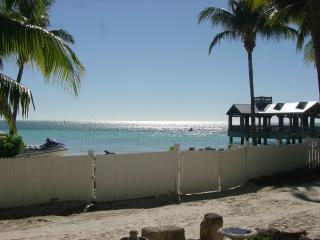 Key West Beach Front Rental Ocean view Beach acces, Cayo Hueso (Key West)