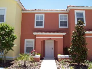 4 Bed Villa with Private pool-15 min from Disney, Kissimmee