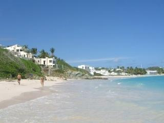 Caribbean Beach Villa right on the best Beach, Philipsburg