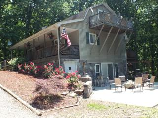 SUMMER FUN!!  LOTS TO DO HERE IN THE OHIO MOUNTAINS! SECLUDED LARGE HOME!
