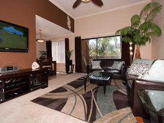 Old Town Pool View Condo  Wi-Fi, 3 Plasma TVs, GYM, Scottsdale