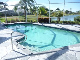 Royal Palms Lake View Home with Free WIFI, Naples