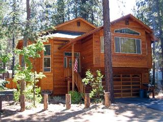 Pool Table! Sauna! Wi-Fi-! Hot Tub!  Near Heavenly, South Lake Tahoe