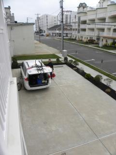 parking spots w/ view towards ocean