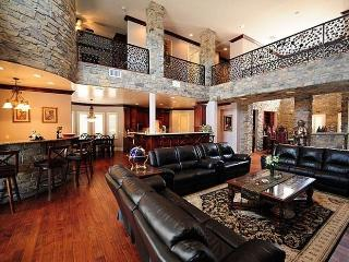 35% Disc LV Mini Castles 8 Guest Suites, 10 BA, Las Vegas