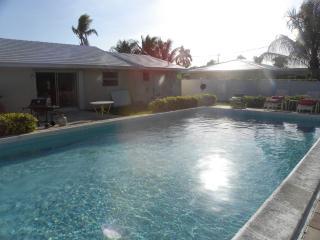 Beautiful Beach Home Steps from Ocean w Pool, Palm Beach Shores