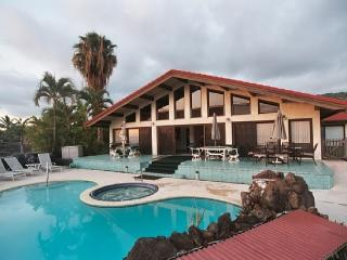 17 bed oceanview estate family home pool & jacuzzi, Kailua-Kona
