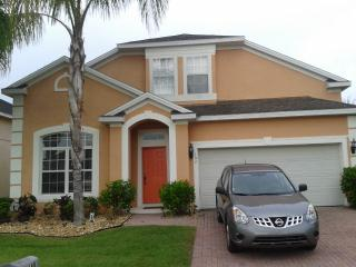 Large 5 bedroom villa with pool and games room in Davenport, Florida