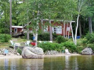 lakefront cottage with private sandy beach, Ellsworth