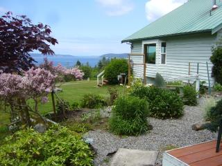 Port Townsend Waterview Cottage